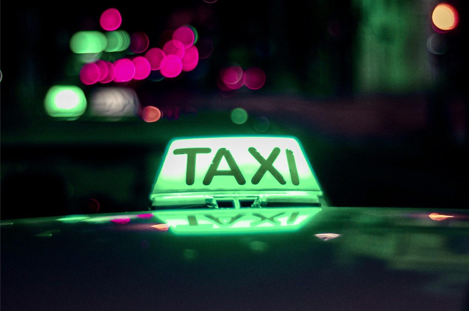 Je prends un taxi électrique