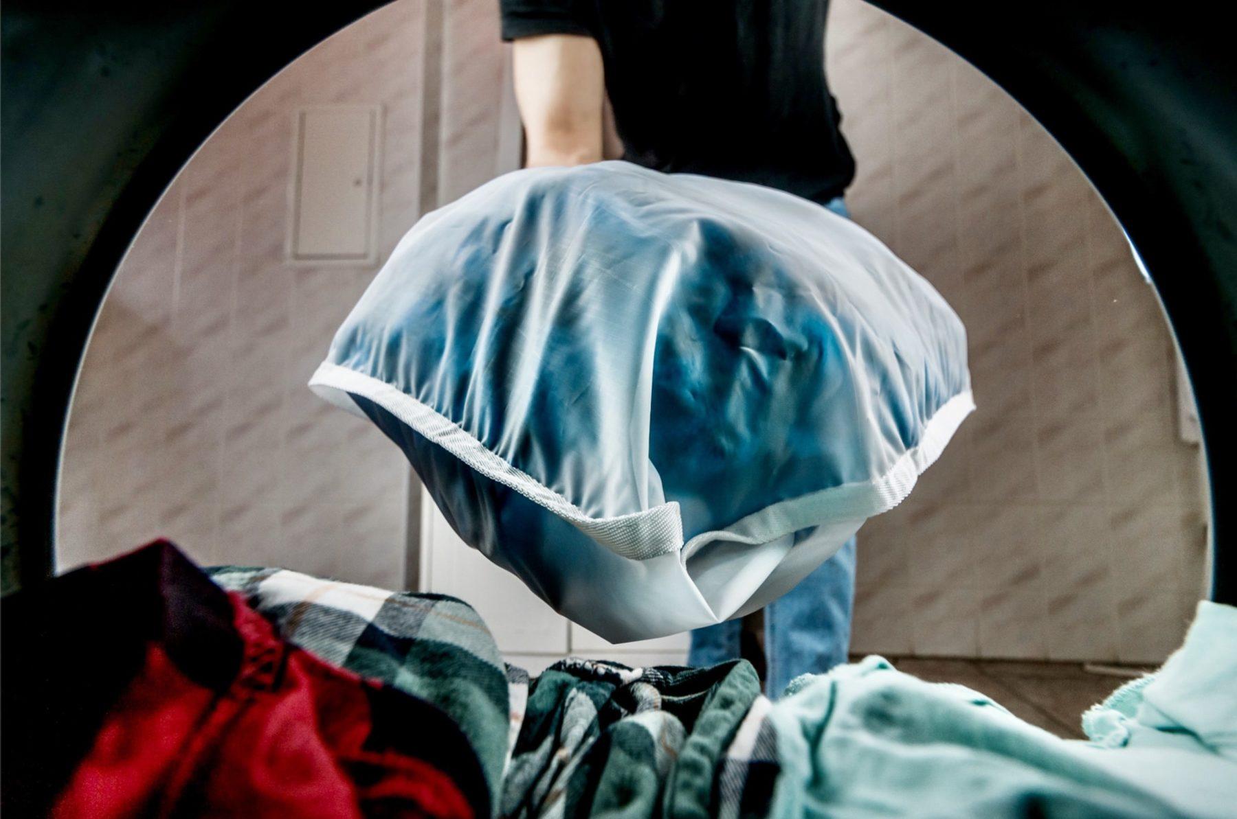 J'utilise un Guppyfriend bag pour laver mes vêtements aux fibres synthétiques